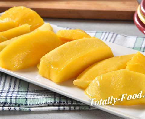 fresh sliced mango